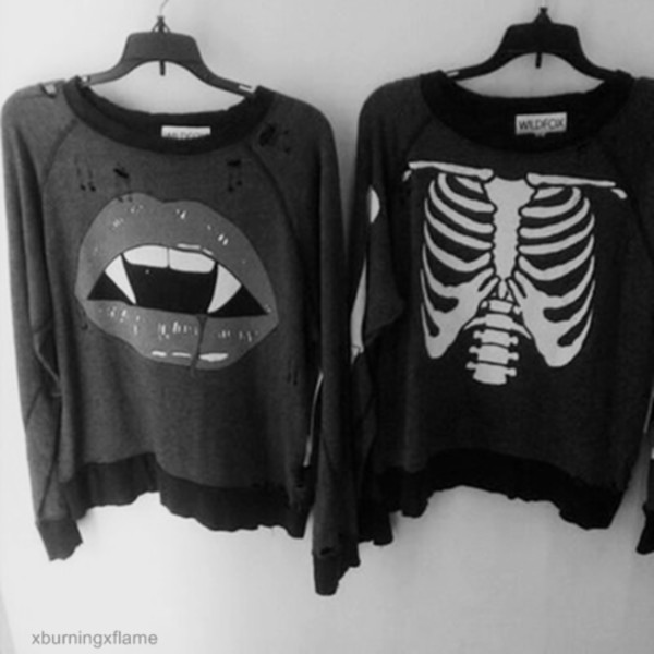 sweater rock grunge ribcage bones pullover black and white shirt bones sweater black white jacket halloween skeleton blouse alternative mouth lips vampire blood teeth red lipstick grey sweater holes top dark pull