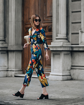 sunglasses,black sunglasses,jumpsuit,floral,floral jumpsuits,sandals,black sandals