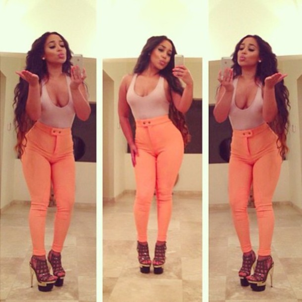 jeans summer outfits cute high waisted jeans tank top heels on gasoline shoes