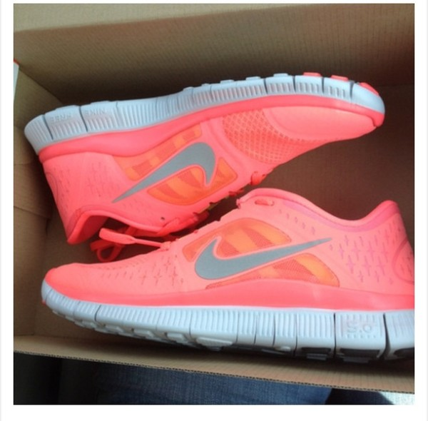 shoes nike nike free run pink trainers