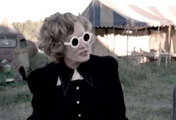 sunglasses jessica lange american horror story