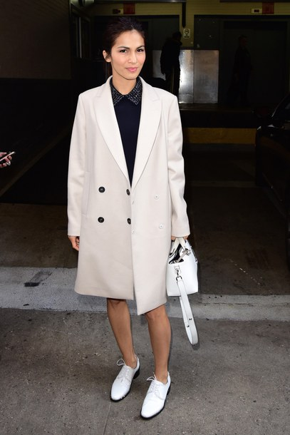 coat white coat streetstyle celebrity celebrity style french actress bag white bag celebrities in white shoes white shoes Elodie Yung