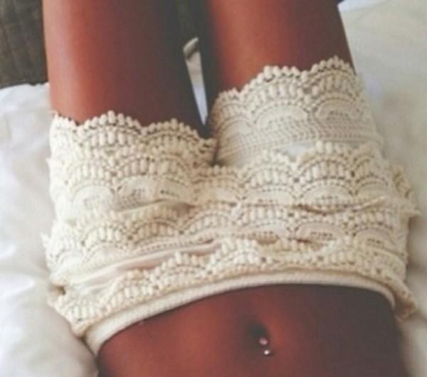 shorts lace white