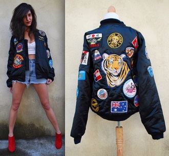 jacket vintage jacket print coay coat bomber jacket oversized vintage-inspired denim jacket vintage tiger print high waisted shorts 90s style crop tops style studs fashion outfit urban clothes streetwear streetstyle