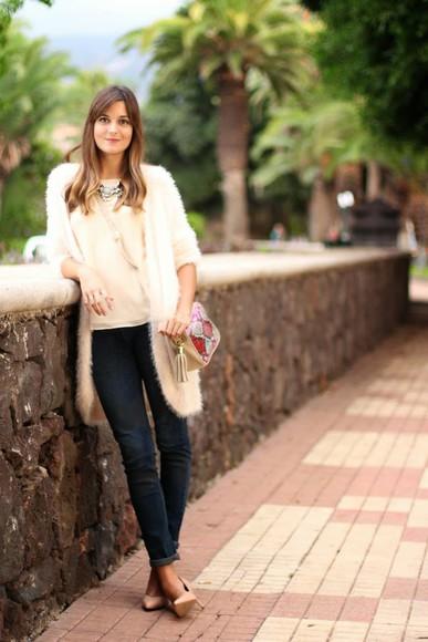 blouse cardigan jewels t-shirt jeans blogger bag marilyn's closet blog faux fur