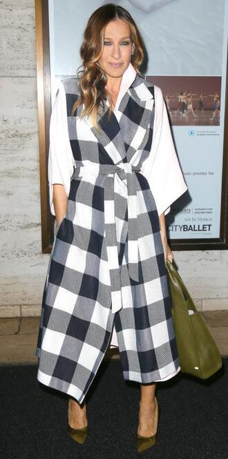 coat sarah jessica parker bag pumps fashion fashion week 2015