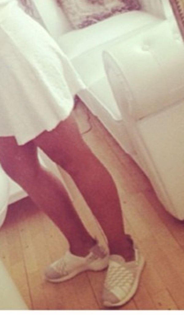 shoes white with grey sneaks