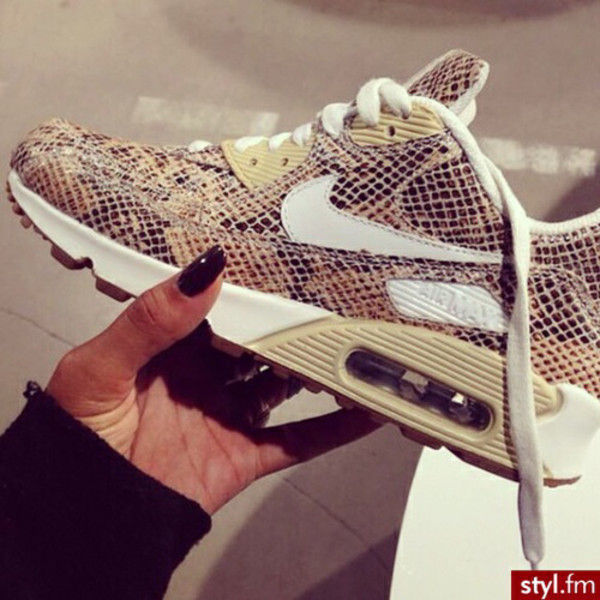 competitive price 90fc4 4ee50 snake print, snake shoes, air max, print, nike sneakers, nike, shoes,  sneakers, multicolor, multicolores, brown, white, snake, pattern, snake  print, nike ...