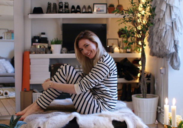 josefin dahlberg blogger sweater pants stripes cozy