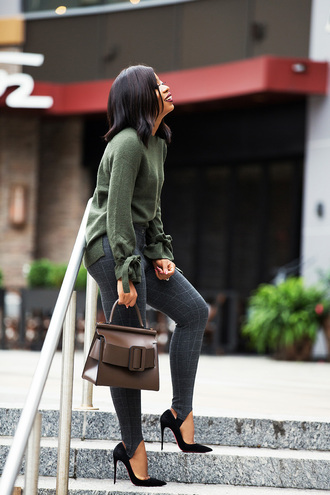 jadore-fashion blogger pants sweater shoes make-up bag fall outfits pumps green sweater handbag