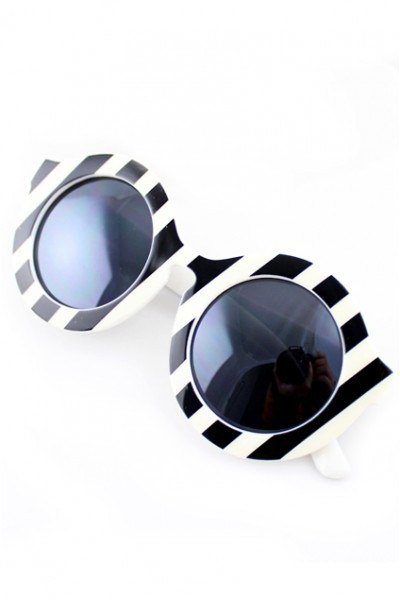 KCLOTH Retro Striped Printed Sunglasses