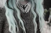 jewels,skull,hands,necklace,skull necklace,vintage