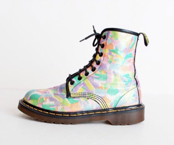 shoes pastel 90s dr martens