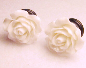 jewels floral plugs white pastel goth pastel