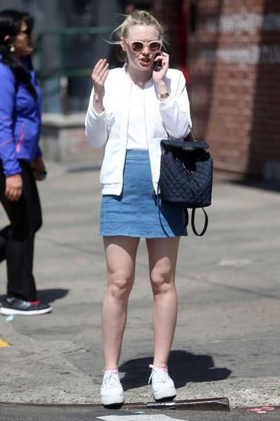 eb3fe3951 skirt, denim skirt, sneakers, jacket, spring outfits, dakota fanning ...