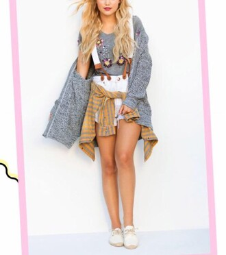 shorts teen vogue overalls embroidered floral outfit sweater jumpsuit white overalls denim flannel floral sweater jumper romper flowers grey white seventeen