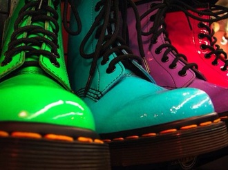 shoes doc. martens boots rainbow color/pattern solid color
