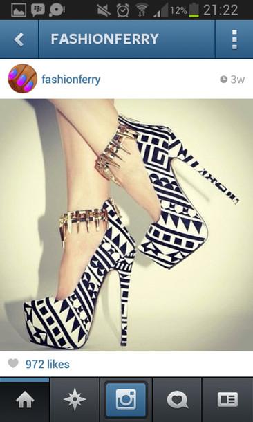 shoes high heels heels heel black shoes shorts white shoes nitter socks