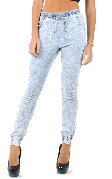 jeans joggers. joggers light blue