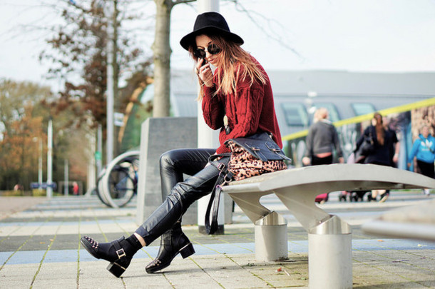 652d180d66c408 laughing in the purple rain blogger jewels felt hat burgundy knitted  sweater ankle boots bag leather