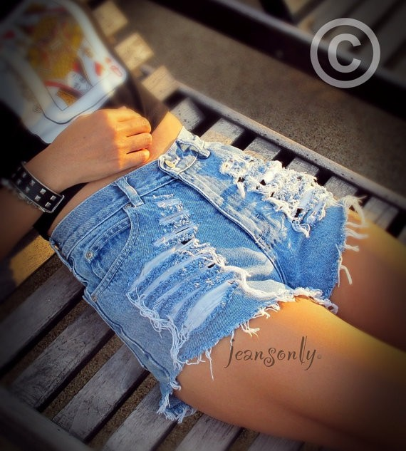 waisted distressed ripped denim shorts - Shorts - ripped:
