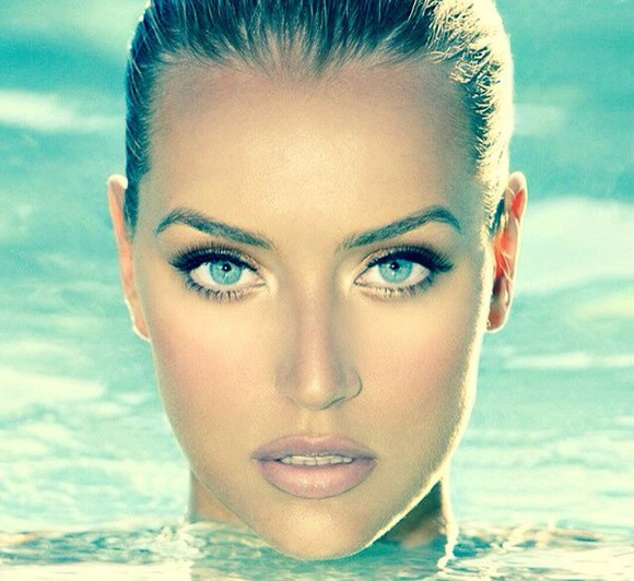 beauty make-up model blue eyes