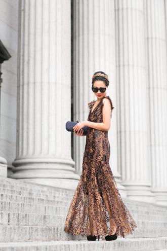dress tumblr printed dress patterned dress maxi dress long dress sleeveless sleeveless dress v neck v neck dress clutch sunglasses black sunglasses shoes black shoes