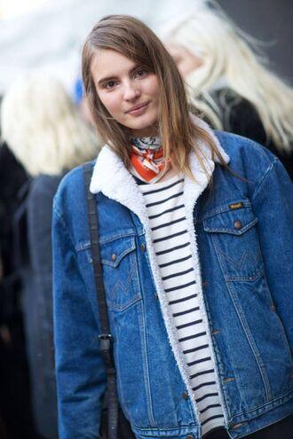 jacket shearling denim jacket shearling jacket shearling denim jacket blue jacket striped top stripes bandana streetstyle fall outfits