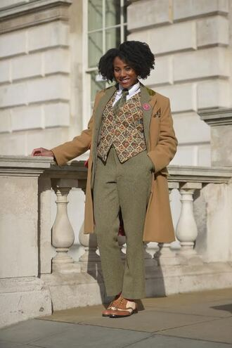 coat london fashion week 2017 fashion week 2017 fashion week streetstyle camel camel coat shirt non-binary no gender pants khaki khaki pants shoes brown shoes