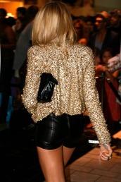 shorts,sequin shirt,shirt,black shorts,bag,black bag,gold sequins,jacket,sequin jacket,gold blazer,gold jacket,leather shorts,girly,gold,gold sequin jacket,top