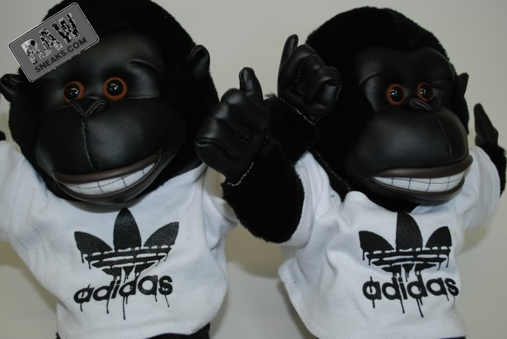 Adidas Originals by Originals Jeremy Scott JS Gorilla Black Bear ... fe0c6f8826f00