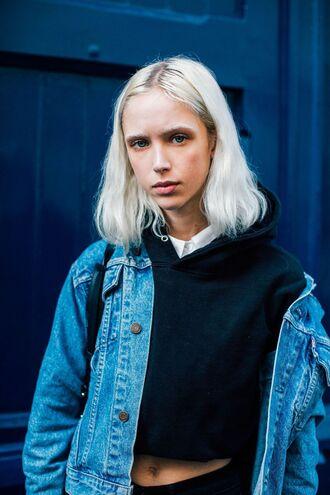 top fashion week street style fashion week 2016 fashion week paris fashion week 2016 cropped hoodie black hoodie cropped hoodie denim jacket blue jacket streetstyle