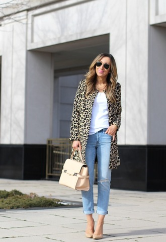 lilly's style blogger coat t-shirt jeans shoes bag sunglasses jewels