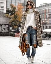 coat,plaid,ripped jeans,boyfriend jeans,white sneakers,trainers,white sweater,turtleneck sweater,brown bag