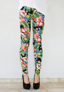 La modella mafia — tropical printed leggings