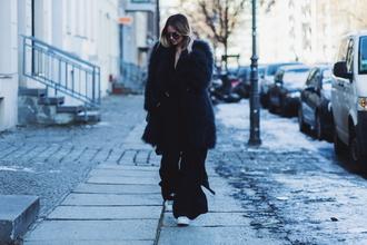 en vogue coop blogger winter outfits fur coat black coat
