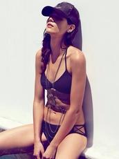 jewels,cutout bikini,black bikini,thong,sexy,body chain,black jewelry,swimwear