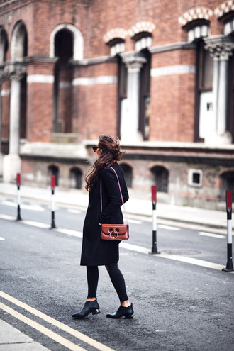 anouska blogger coat sweater jeans shoes bag sunglasses belt fall outfits black coat chain bag booties black jeans