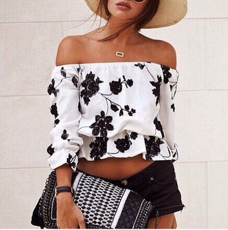 blouse shirt black flowers wonderful beautiful top black and white off the shoulder fashion trendy hot tan summer girly floral rose wholesale-jan
