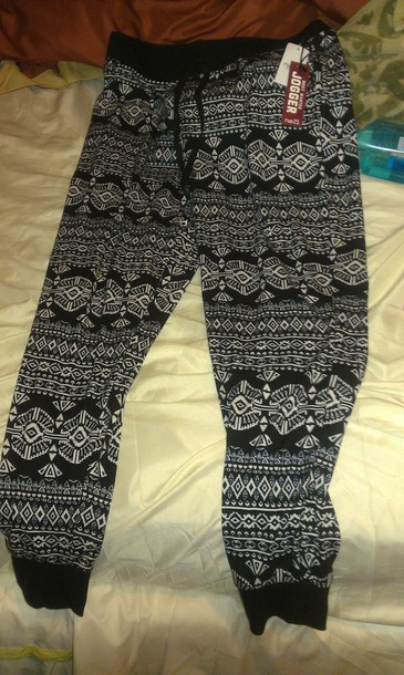 tights tribal pattern
