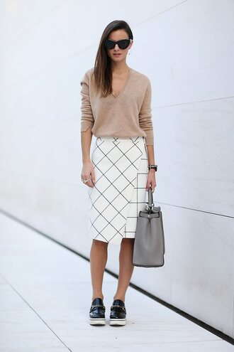 fashion vibe blogger sunglasses bag jewels skirt checkered vans white skirt asymmetrical nude sweater v neck checkered skirt cat eye black sunglasses midi skirt wrap skirt grey bag handbag platform shoes