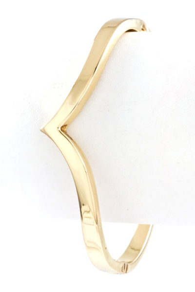 Pointed chevron hinged bangle