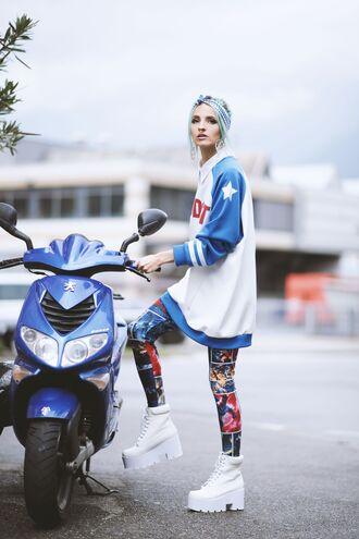 gina vadana vintageena blogger blouse printed leggings