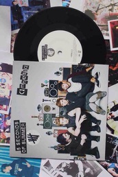 earphones,5 seconds of summer,music,vinyl record