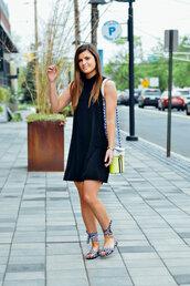 shoes,dress,black dress,bag,sandals,flat sandals
