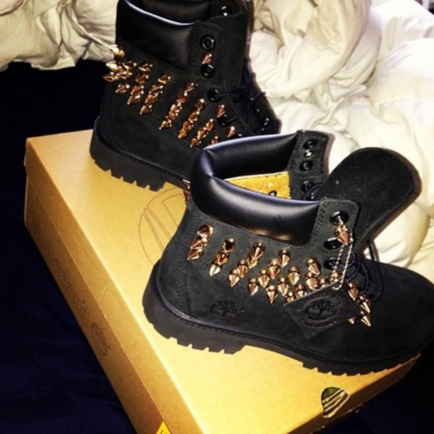 Black Shoes Like Timberlands