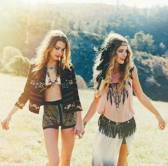 t-shirt shirt indie indie boho boho boho shirt boho chic boho dress boho patterns shorts hippie hippie chic hippie headband hippie jewelry hippie shirt indie outfit native american tribal pattern tribal shorts feathers beauty fashion shopping girl girly grunge hipster rock