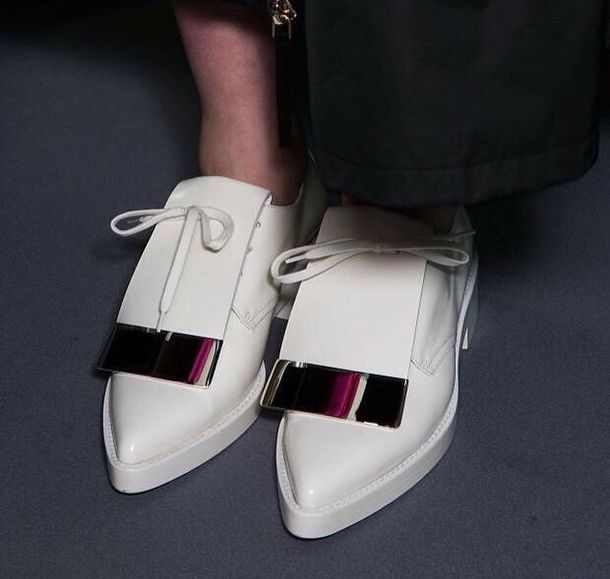 shoes white flat fashion style ankle boots oxfords white sneakers lace up brogue shoes chunky sole chunky shoes flatforms trainers streetwear streetstyle pointed toe