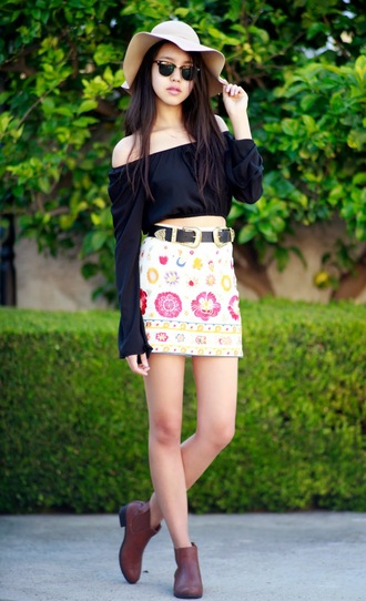 canyoupasstheglitter blogger top skirt shoes belt sunglasses hat jewels double buckle belt black belt off the shoulder top off the shoulder long sleeves black top black crop top crop tops floppy hat mini skirt floral skirt printed  skirt boots ankle boots brown boots flat boots black off shoulder top
