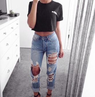 jeans clothes denim ripped jeans fashion nova boyfriend jeans fashion pants blue jeans blouse black t-shirt top babe outfit spring spring outfits summer summer outfits short sleeve cute fashion and style fashionista instagram high waisted jeans high waisted fashion inspo